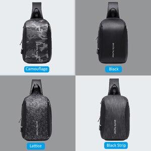 """Image 5 - הארקטי האנטר גברים של כתף קלע תיק עמיד למים USB Crossbody שקיות לגברים טיול קצר שליח תיק חבילת חזה Fit 9.7 """"iPad"""
