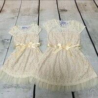 Marfil rústico Niñas país vestido partido occidental Ropa femenina de bebé Encaje bebé niño flor Niñas vestido con arco