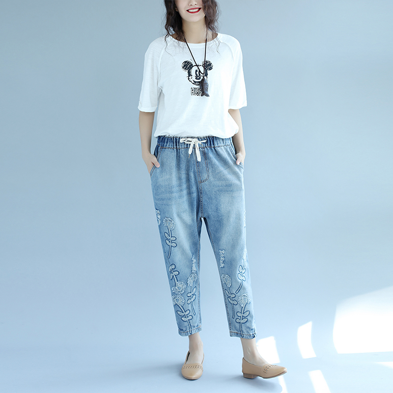 Plus Size Flower Embroidery Elastic Waist Loose Harem Jeans Autumn New Fat MM Vintage Oversized Ankle Length Women Denim Pants new summer vintage women ripped hole jeans high waist floral embroidery loose fashion ankle length women denim jeans harem pants