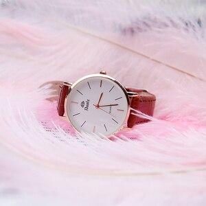 Image 2 - 2 pièces Plumes Dautruche Naturelles Blanc Rose Bleu Photographie Accessoires bricolage Décoration pour Bracelet Anneau Bijoux Rouge À Lèvres Cosmétique