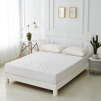 Cooling Bed Fitted Sheet Style Waterproof Quilted Mattress Pad Cover Bed Mattress Protector filling Breathable soft