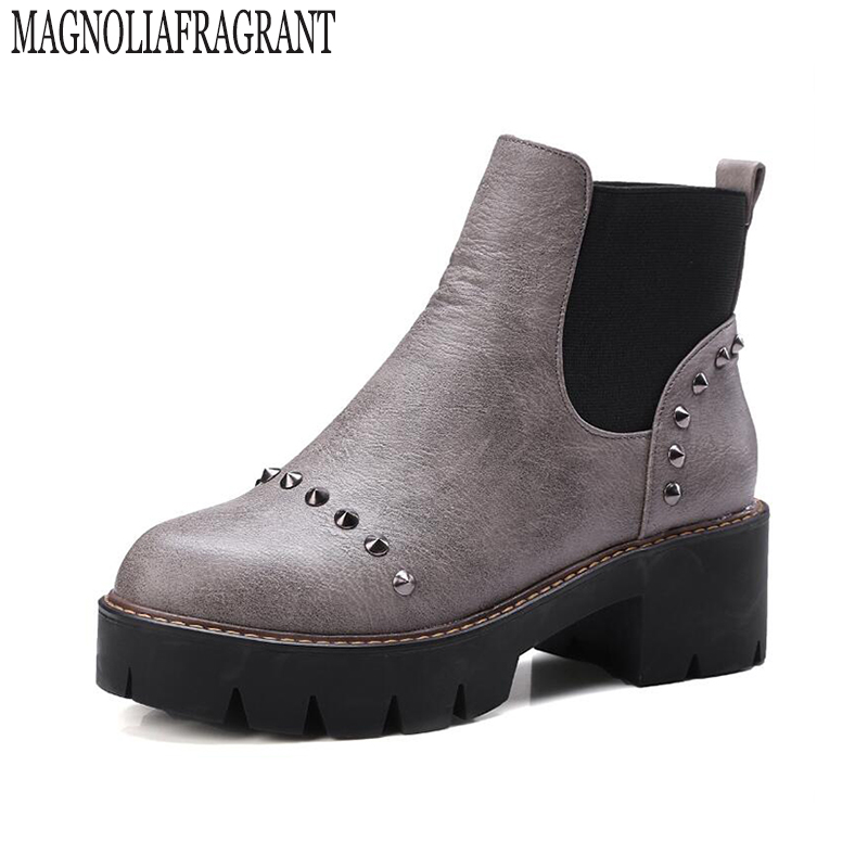 Plus size winter women shoes vintage ankle boots women boots thick heel leather Martin boots female rivet shoes botas mujer z213