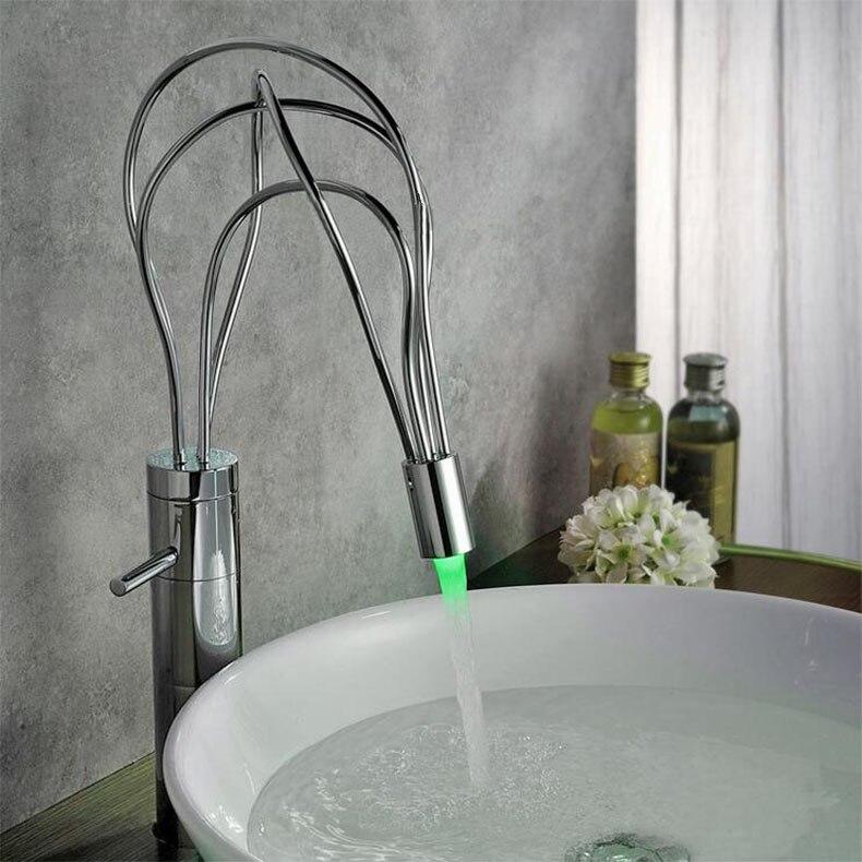 Nouveauté haute qualité en laiton matériel chrome à levier unique nid d'oiseau conception LED salle de bains bassin robinet évier robinet mitigeur
