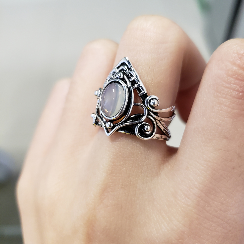 2019 New Retro Gothic Artificial Moonstone Women Rings European Fashion Punk Style Wedding Engagement Rings Jewelry Anillos