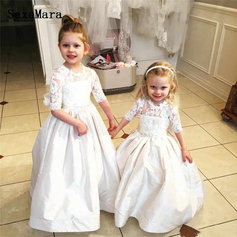 New Arrival Flower Girl Dresses For Weddings Half Sleeve Bow knot Lace Satin Pageant Dresses For Little Girls Pageant GownNew Arrival Flower Girl Dresses For Weddings Half Sleeve Bow knot Lace Satin Pageant Dresses For Little Girls Pageant Gown