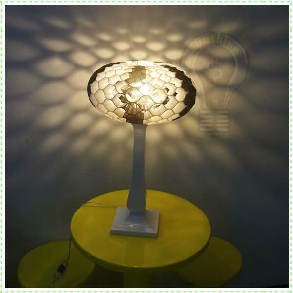 Wholesale Free Shipping Top Grade Acrylic Table Lamp