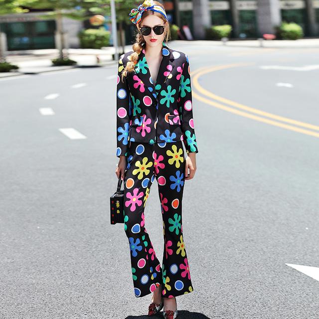 Las mujeres del otoño de la moda de primavera de manga larga de colores impreso casual sets traje chaqueta con cuello en v + pantalones flare ajustado chándal traje