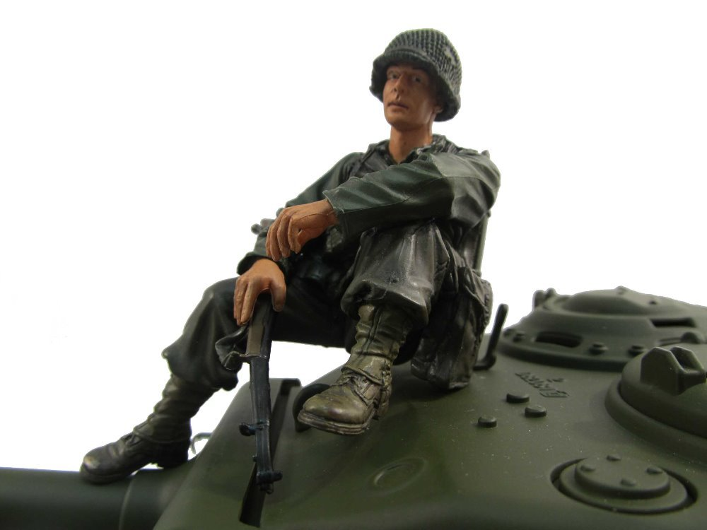 NEW 1:16 1/16 American soldier figure Resin World War II model,MF2002 tankman tank commander l aver laver
