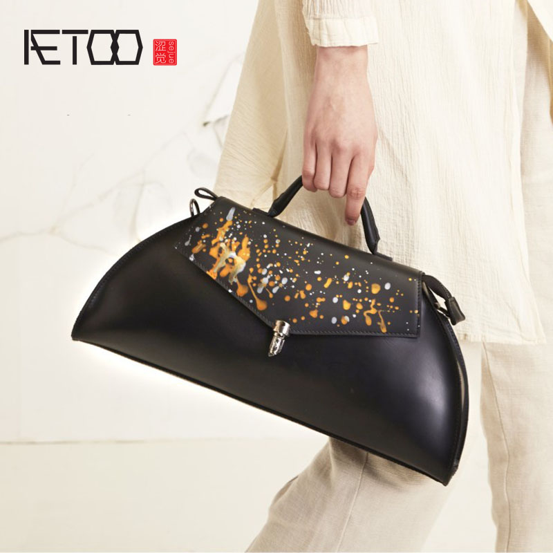 AETOO Original high-end handmade real leather handbag shoulder Messenger bag black common ground wild style rookie yearbook four