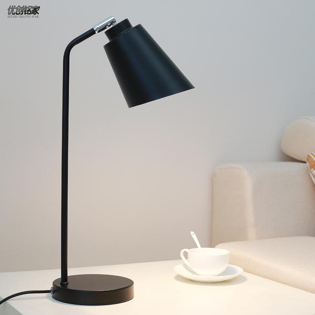 Simple modern led reading Table Lamps bedroom Nordic decorative  energy-saving eye care desk creative desk lamp LU809187