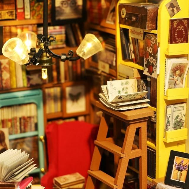 Lovely Books Room Wood Doll House
