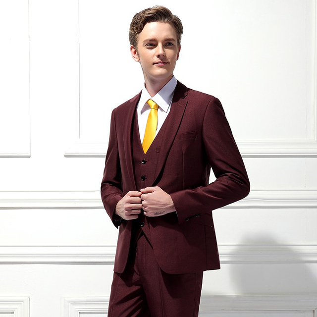 Dernières Manteau Pantalon Designs Bourgogne De Mariage Costumes pour Hommes  Veste Slim Fit Smoking Personnalisé Marié 19753c293fd