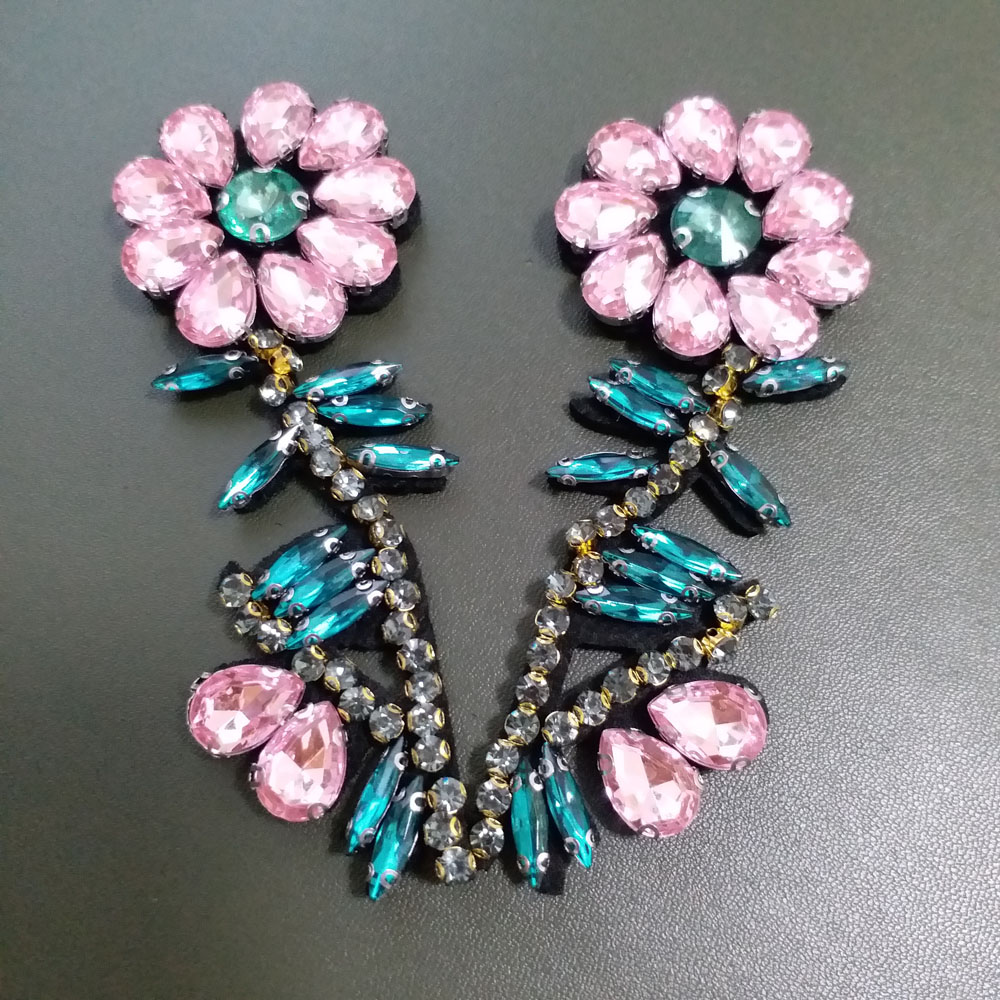 2pcs lot Handmade rhinestone beaded Patches for clothes DIY sequin applique flowers Embroidery floral parches bordados para ropa in Patches from Home Garden