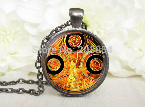 Steampunk New dr doctor who fire Tardis Time And Relative Dimensions In Space Necklace 1pcs/lot bronze / silver Pendant travel