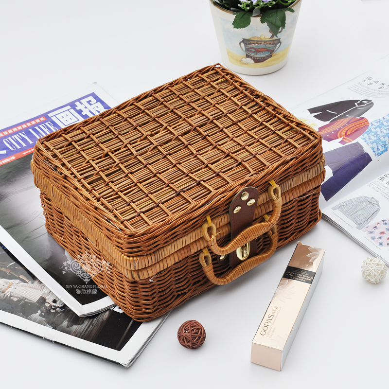 Natural cane makes up bin Awn weaving wicker boxes picnic basket storage basket to restore ancient