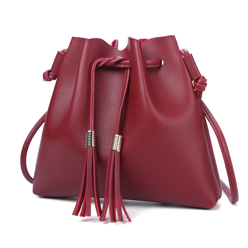 2018 New Fashion luxury handbags women Messenger bag designer Shoulder Bags Ladies Tassel Solid bag Female PU Leather String bag women shoulder bags for female fashion pu leather handbags chain solid shoulder bag mini bags woman messenger bag purses d38m12