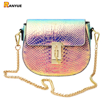 PU Laser Kleine Mini Flap Bag Frauenkurierbeutel Kette Serpentine Bolsa Luxus Handtaschen Frauen Taschen Designer Crossbody Taschen Sac