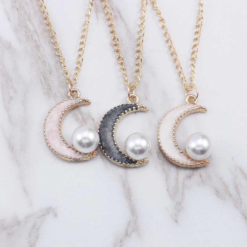Fashion Cute DIY Moon Necklace Women Kawaii Pearl Ripple Pendant Black Pink White Moon Necklaces Pandants Gift Drop Shipping in Pendant Necklaces from Jewelry Accessories