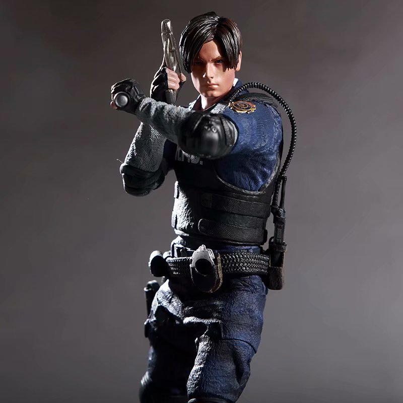 Game Character Leon Scott Kennedy Action Figure Collectable Model Toy