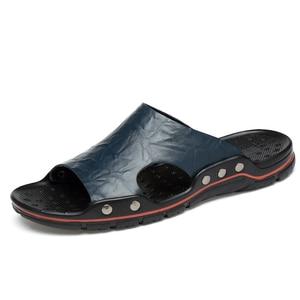Image 2 - Zapatillas de cuero para hombre, chanclas masculinas deslizantes de talla grande, en 5 colores, gran oferta