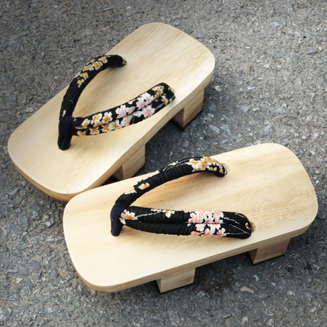 japanse houten slippers