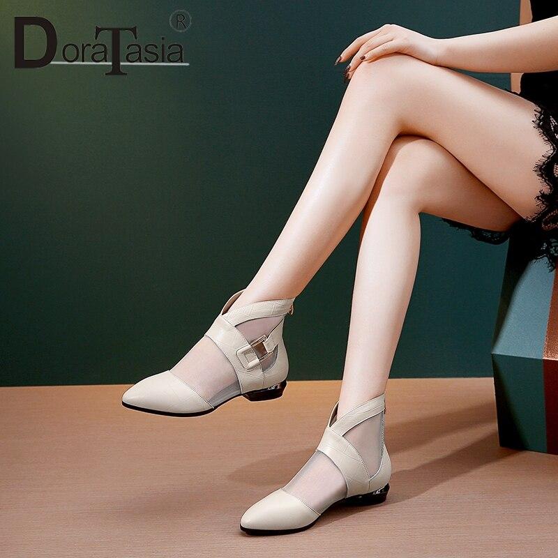 DoraTasia dojrzałe czarne lato sandały siatki kobiety 2019 prawdziwa skóra bydlęca duży rozmiar 33 42 niskie obcasy oddychające buty na lato w Niskie obcasy od Buty na  Grupa 1