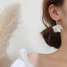 2019 New White Flower Petal Korean Earrings For Women Chic Jewelry Hanging pendientes chic rhinestone petal flower necklace for women