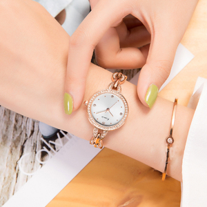 Image 5 - KIMIO العلامة التجارية الصغيرة الهاتفي المرأة سوار ساعة 2018 الفاخرة الماس ساعات كوارتز السيدات كريستال فستان ساعة اليد reloj mujer