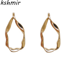 Kshmir Simple creative design irregular fashion metal curve Fashion Earrings female student Ladies exquisite earrings