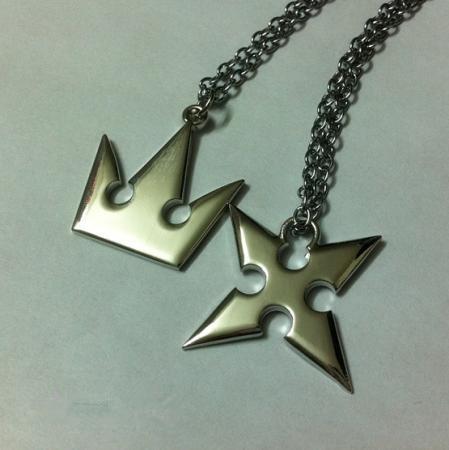 Kingdom hearts ii roxas cross sora crown necklace necklace in kingdom hearts ii roxas cross sora crown necklace necklace aloadofball Images
