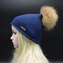 2017 New Brand 22cm Real Raccoon Fur Pom Poms Knitted Hat Fur Beanie Women Girl 'S Wool knit Hat Skullies Thick Female Cap