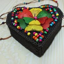 New Casual Ladies Shoulder Bag Hand-Woven Beaded Coconut Shell Heart-Shaped Wallet Fashion Cute Mini Crossbody
