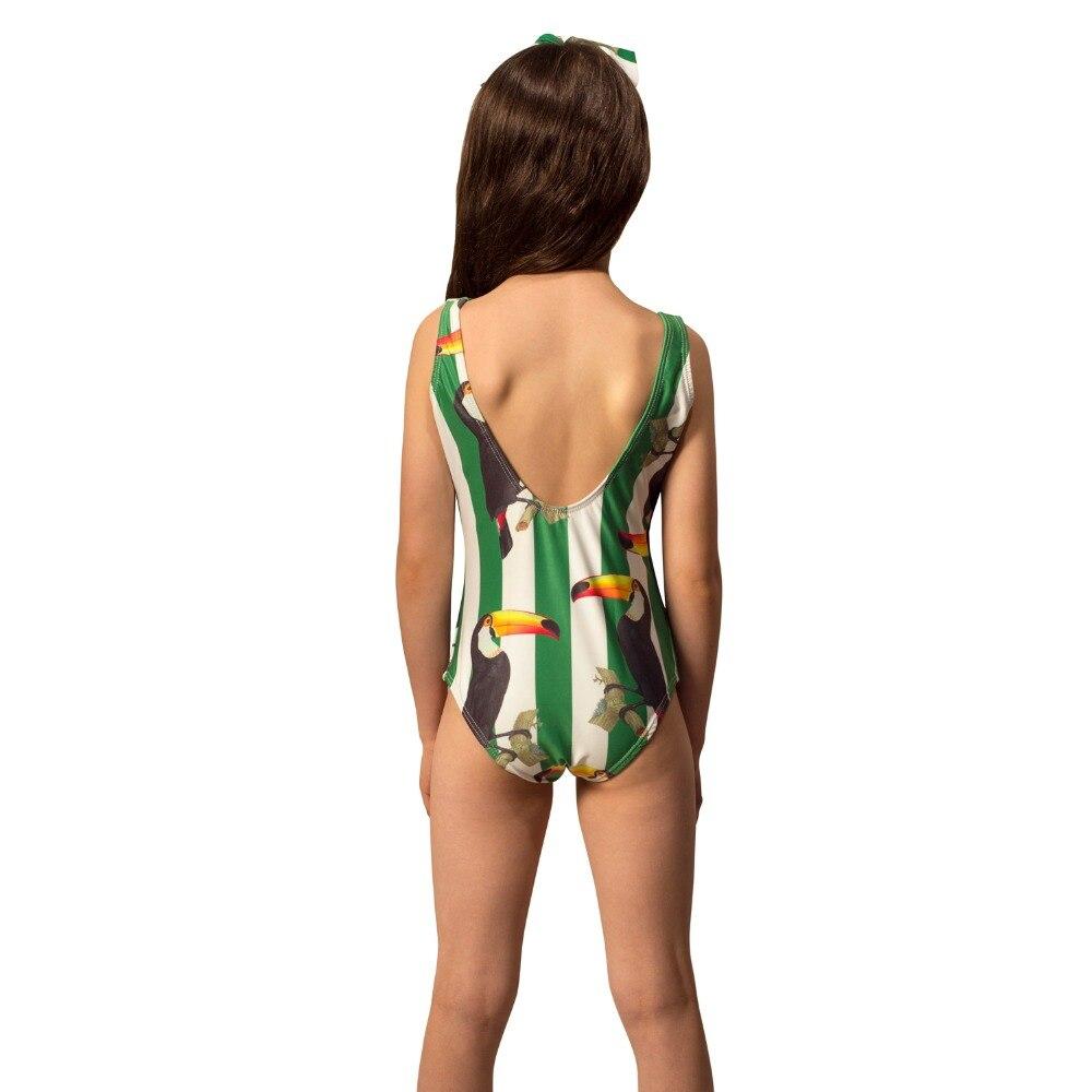 girl-mustique-forest-back