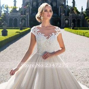 Image 3 - Loverxu robe De mariée dos nu en dentelle, robe De mariée luxueuse avec des Appliques, traîne à perles Court, princesse ligne A, modèle 2020