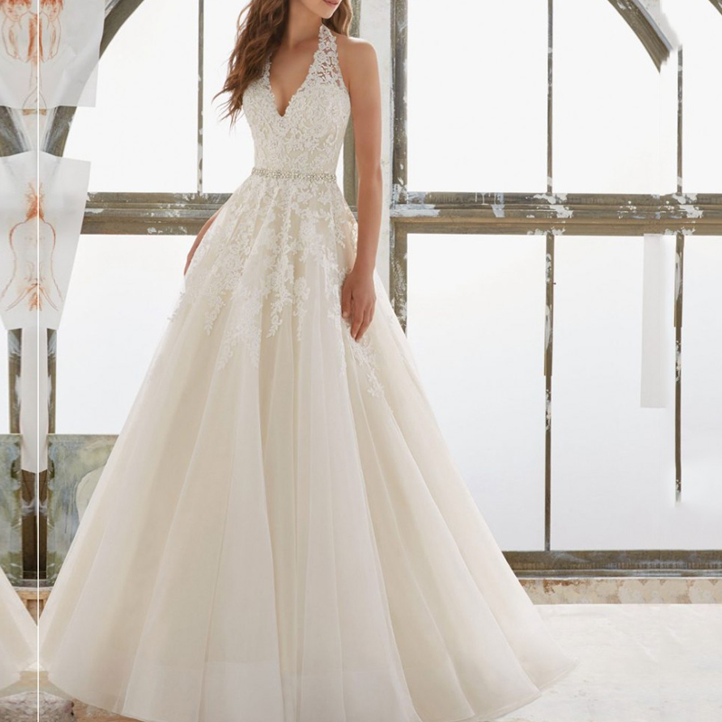 2019 Wedding Dress Halter Appliqued wih Lace Sexy Bride Dress A Line Backless Wedding Gown