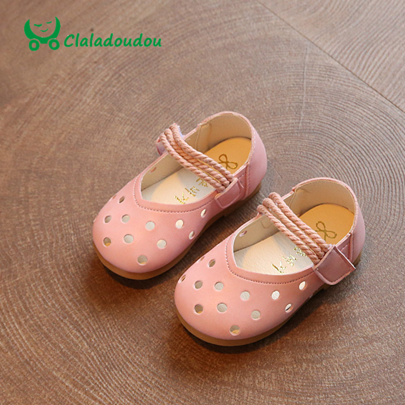 Claladoudou 2017 0 2Y Spring Summer Baby Girls Shoes Princess Hollow Infant  Shoes Soft Bottom Toddler Shoes Little Girl Shoe-in Leather Shoes from  Mother   ... e38625f209e1