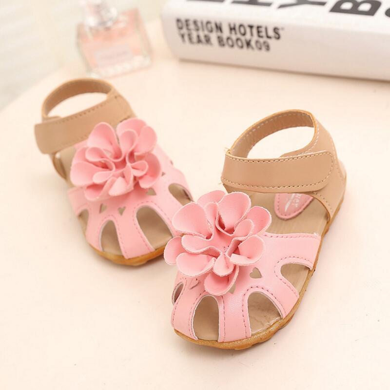 Bunga sandal anak-anak Musim Panas Baru Gadis Mini PU Kulit anak sepatu  Putri sandal Bayi balita sepatu Lembut bernapas 6dd3550dc2