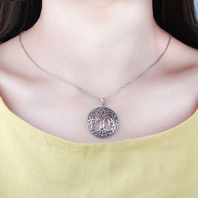 Tree of Life Round Pendant Necklace Women Retro Jewelry Gift 1