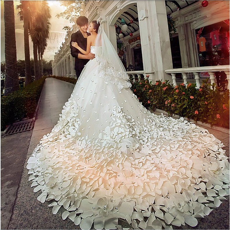 New Luxury Wedding Dresses Gorgeous Handmade Petals Flower