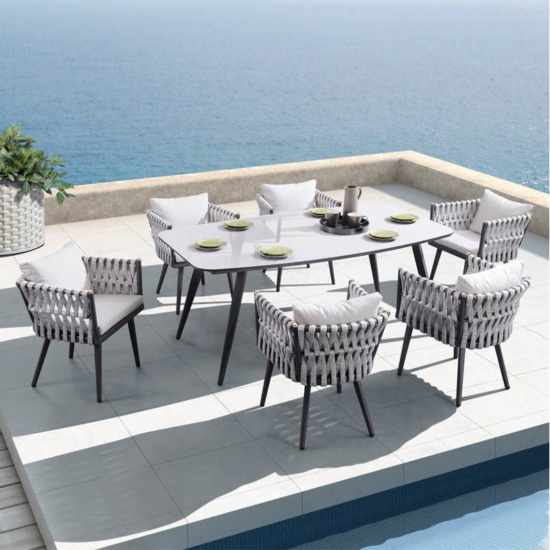 Italy Design Braided Outdoor Chairs And Dinner-table For Comforatable Alfresco Dining / Seat Cushion And Back Pillow Included