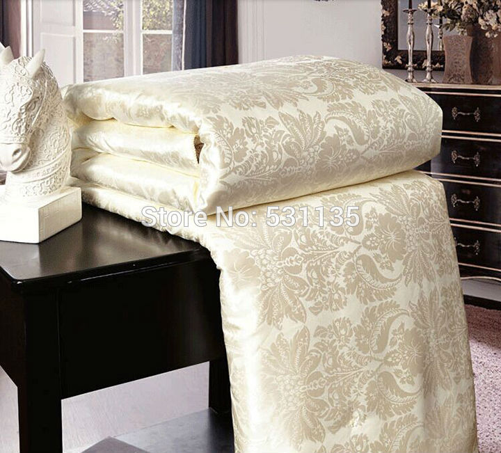 Four Colors Mulberry Silk Comforter Bedspreads Quilted