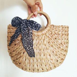 Image 4 - DCOS kadın çantası kore dış mısır cilt en yarım daire sanat plaj çantası seyahat resimleri sahne hasır çanta ay çanta yeni