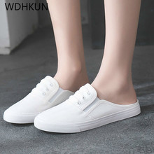 купить Designer Canvas Shoes Women Flats Loafers Slip On Summer Mules Ladies Flat Casual Shoes Female White Sneakers Zapatos Mujer по цене 942.42 рублей