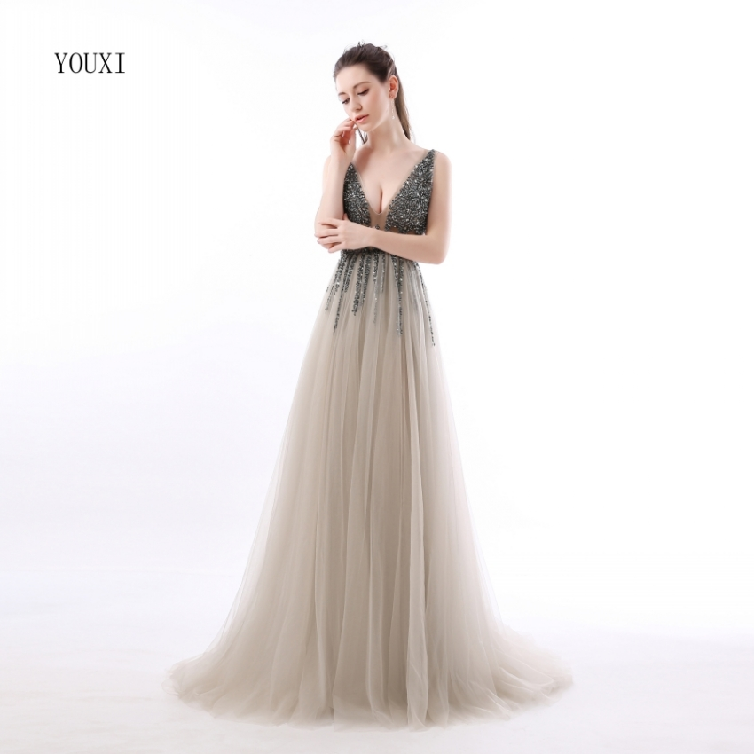 Sexy Side Split Prom Dresses 2019 Deep V-Neck Backless Beads Crystal Party Gowns Sleeveless Sweep Train Cheap Tulle Party Dress