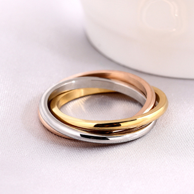 Fashion Classic Creative Trinity Ring Three Ring Winding Ring Women's Stainless Steel 3 Color Trinity Rolling Wedding Band Rings