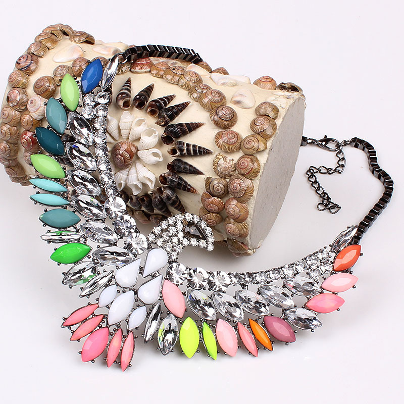 db47d4daba US $7.99 |Europe Personalized Jewelry Vintage Antique Metal Chokers With  Clear Rhinestone Jewelry Acrylic Beaded Eagle Charms Lady DFX 298-in Choker  ...