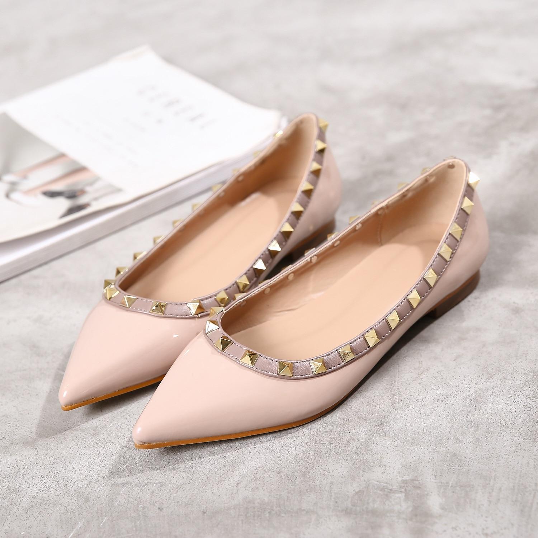 Rivet Shoes Womens Flat Bottom Spring Summer luxury brand shoes women flats casual shoes Fashion comfortable soft bottom