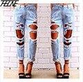 2015 Mujeres Capris Jeans Rasgados Pantalones de Mezclilla Agujero Grande Flojo moda Enrollar Estilo Washed Verano Más Los Pantalones del Tamaño Negro blanco