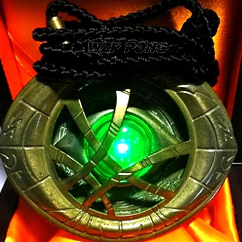 9 cm Avengers 3 docteur étrange collier Action Figure jouet en métal lumière LED Cosplay partie modèle jouets boîte en bois pour cadeau d'anniversaire