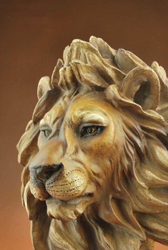 Lion Décoration Résine Artisanat Imitation Bois Sculpture Accueil Décorations Souvenirs (A920)